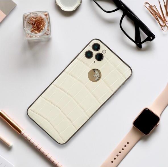 iPhone 11 Pro женский дизайн белый крокодил и золото