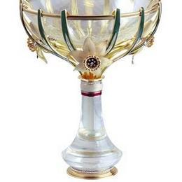 Чаша с золотом, бриллиантами и эмалью