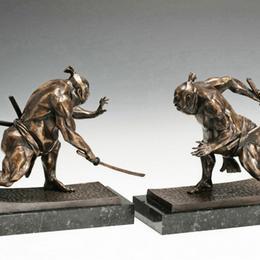 Скульптура «Борцы с мечами»