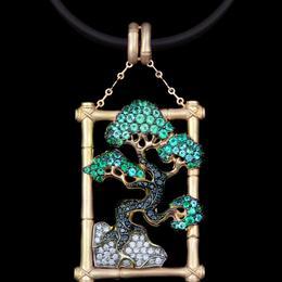 Подвеска Древо жизни (бриллианты, изумруды, золото)