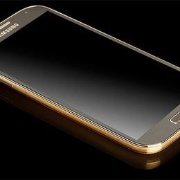 Samsung Galaxy S4 – эксклюзивный телефон из платины и золота
