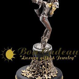 Коллекционная статуэтка Майкла Джексона из золота в продаже