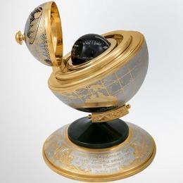Гидрокомпас в глобусе