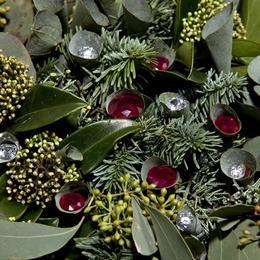 Самый дорогой рождественский венок с бриллиантами и рубинами стоимостью 4,6 миллиона долларов