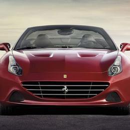 Ferrari California T 2015 с турбинным двигателем выставляется на обозрение