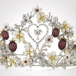 Очарование и шик: коллекция роскошных украшений Mikimoto Hello Kitty