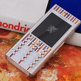 Ограниченный выпуск Mobiado с дизайном от голландского художника Пита Мондриана