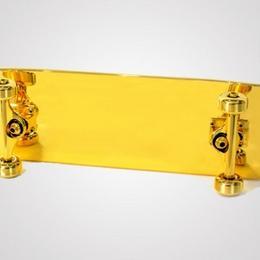 В Нью-Йорке запущены в продажу позолоченные скейтборды по цене $15,000