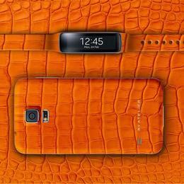 By Atelier представляет заднюю панель для Samsung S5, сделанную из оранжевой кожи аллигатора