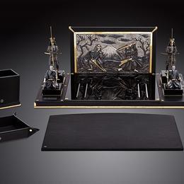 Письменный набор со скульптурами самураев