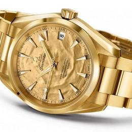 Omega отмечает 50-летие модели 007 Flick Goldfinger