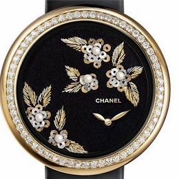 Chanel представляет вышитые женские часы Mademoiselle Prive Camelia