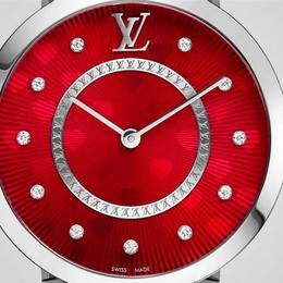 Подарок от Louis Voitton к 14 февраля: модель Tambour Monogram Saint Valentin 33 mm
