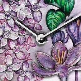 Van Cleef & Aprels представляют часы Charms Extrordinare Désir, олицетворяющие красоту и страсть цветов