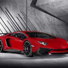 Lamborghini Aventador LP750-4 SV: на 50 «лошадок» больше