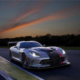 Машина-зверь: Dodge Viper ACR
