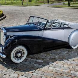 Rolls-Royce возрождает прежний дизайн в модели Dawn