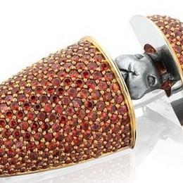 «Морковная» брошь от ювелирного дизайнера Владимира Маркина