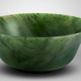 Салатница из зеленого нефрита