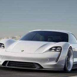 Porsche представляет электрический концепт Mission E