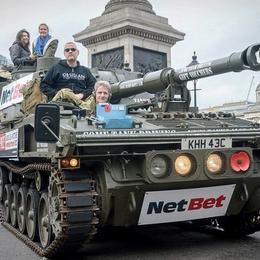 По Лондону на танке за $1500