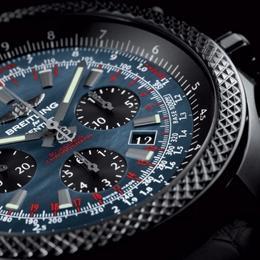 Breitling и Bentley создали эффектные часы  B06 Midnight Carbon