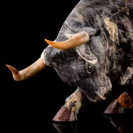 Большой бык 60 см (яшма)