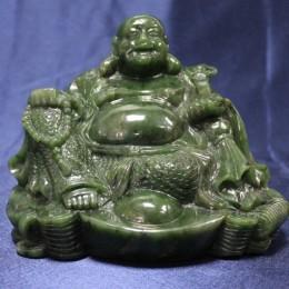 Будда из нефрита (h=19 см)