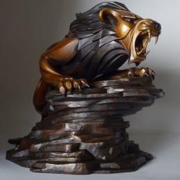 Лев из Танзании (бронза)