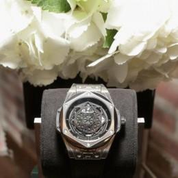 Новые часы от Hublot