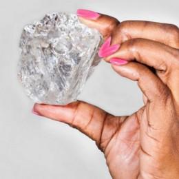 Крупнейший в мире нешлифованный алмаз ушел с молотка