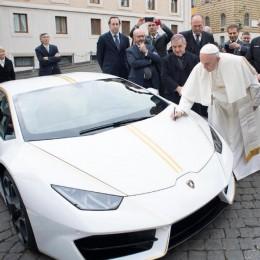 Новый Lamborghini Huracan для Папы