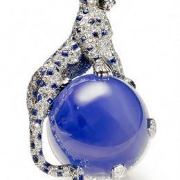 Ювелирный подарок от Cartier