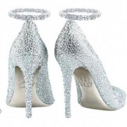 Бриллиантовые туфельки за $300 000, вдохновленные королевами