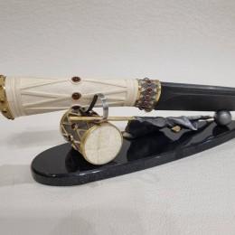 Композиция с ножом Бородино