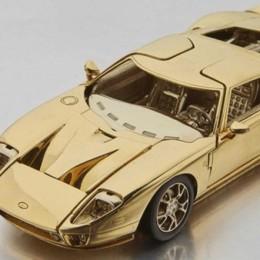 Золотая миниатюра Ford 2006 была продана за 75 000 $