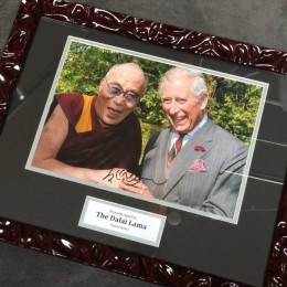 Автограф Далай-Лама