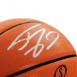 Мяч с автографом Шакила О'Нила