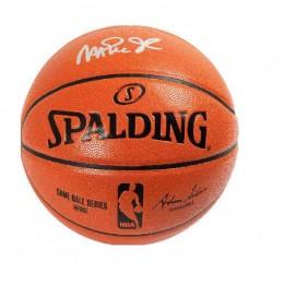 Мяч с автографом Мэджик Джонсона