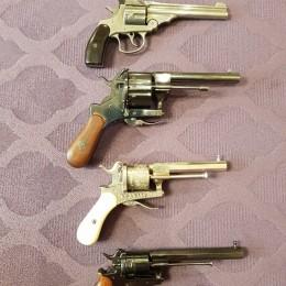 Пистолет системы Лефоше (масштаб 1:4)