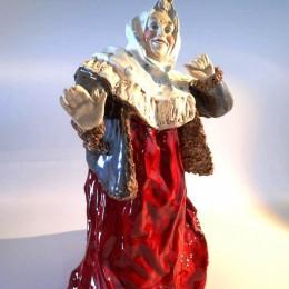 Статуэтка Баба в платке и красном сарафане (майолика)