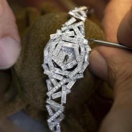 Новые часы от Graff прошиты бриллиантовой «нитью»