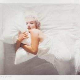 Christie's продаст на аукционе два культовых фото Мэрилин Монро и фотоаппарат, который их сделал