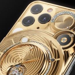 Золотой iPhone 11 Pro от Caviar за 70 000 $ с часами на заднем корпусе
