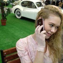 Четыре модели эксклюзивных айфонов от Sun&Moon на выставке Олдтаймер Галерея