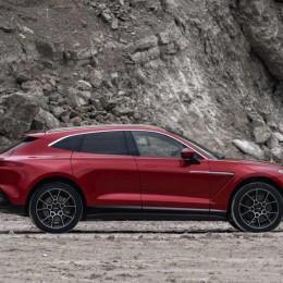 Дебют Aston Martin DBX. Стартовая цена – 200 000$