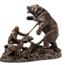 Охота на медведя (бронза)