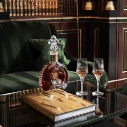 Артбук, посвященный исключительно коньяку Louis XIII