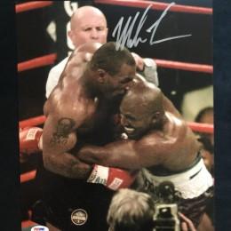 Автограф Майк Тайсон и Холлифилд (на фото)