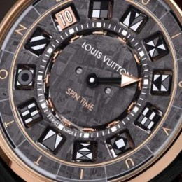 Новые часы Escale Spin Time от Louis Vuitton с циферблатом из метеорита